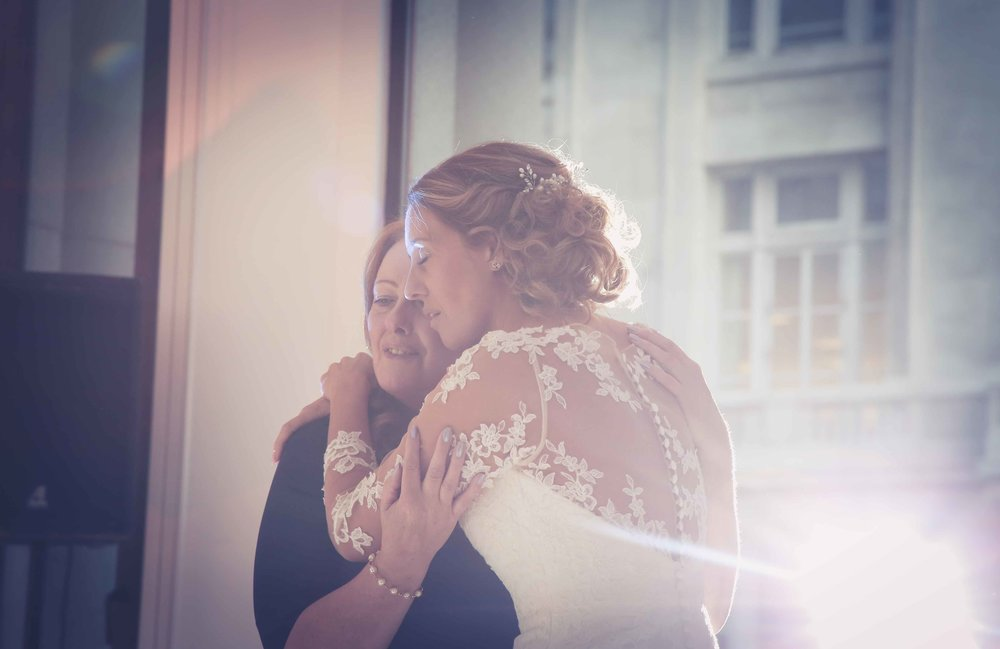 Wedding photos at the liver building (1 of 1)-64.jpg