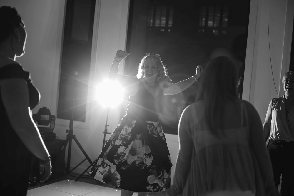Wedding photos at the liver building (1 of 1)-72.jpg