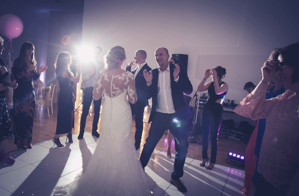 Wedding photos at the liver building (1 of 1)-82.jpg