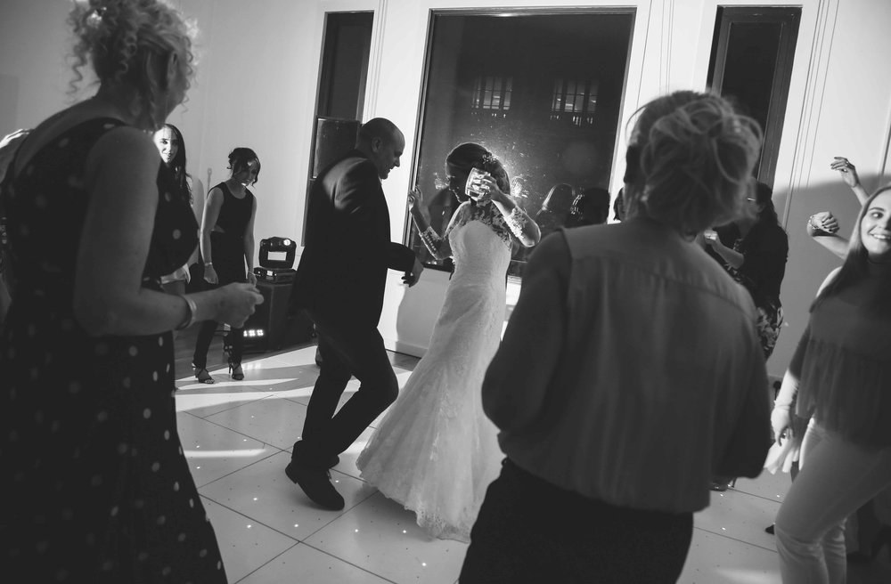 Wedding photos at the liver building (1 of 1)-81.jpg