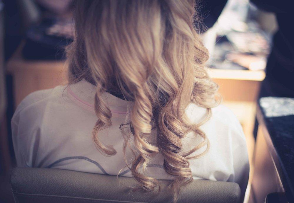 Blonde Hair in curls