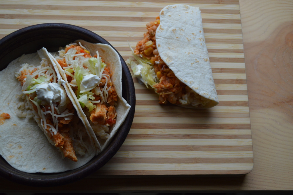 easy crockpot chicken tacos.jpg