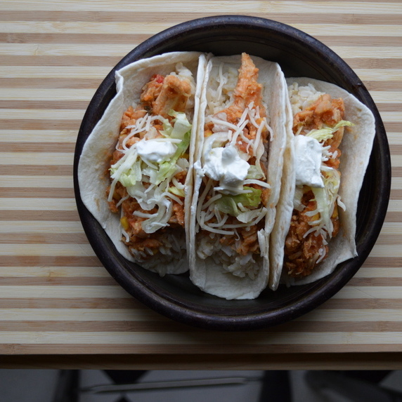 EASY RECIPES: CROCKPOT CHICKEN TACOS