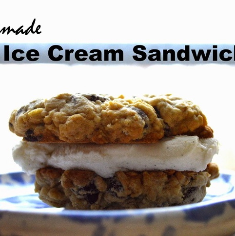 HOMEMADE ICE CREAM SANDWICH... the first try