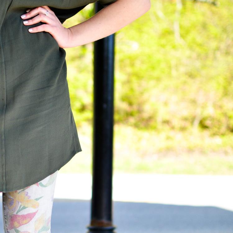 TRENDING: DRESS OVER JEANS