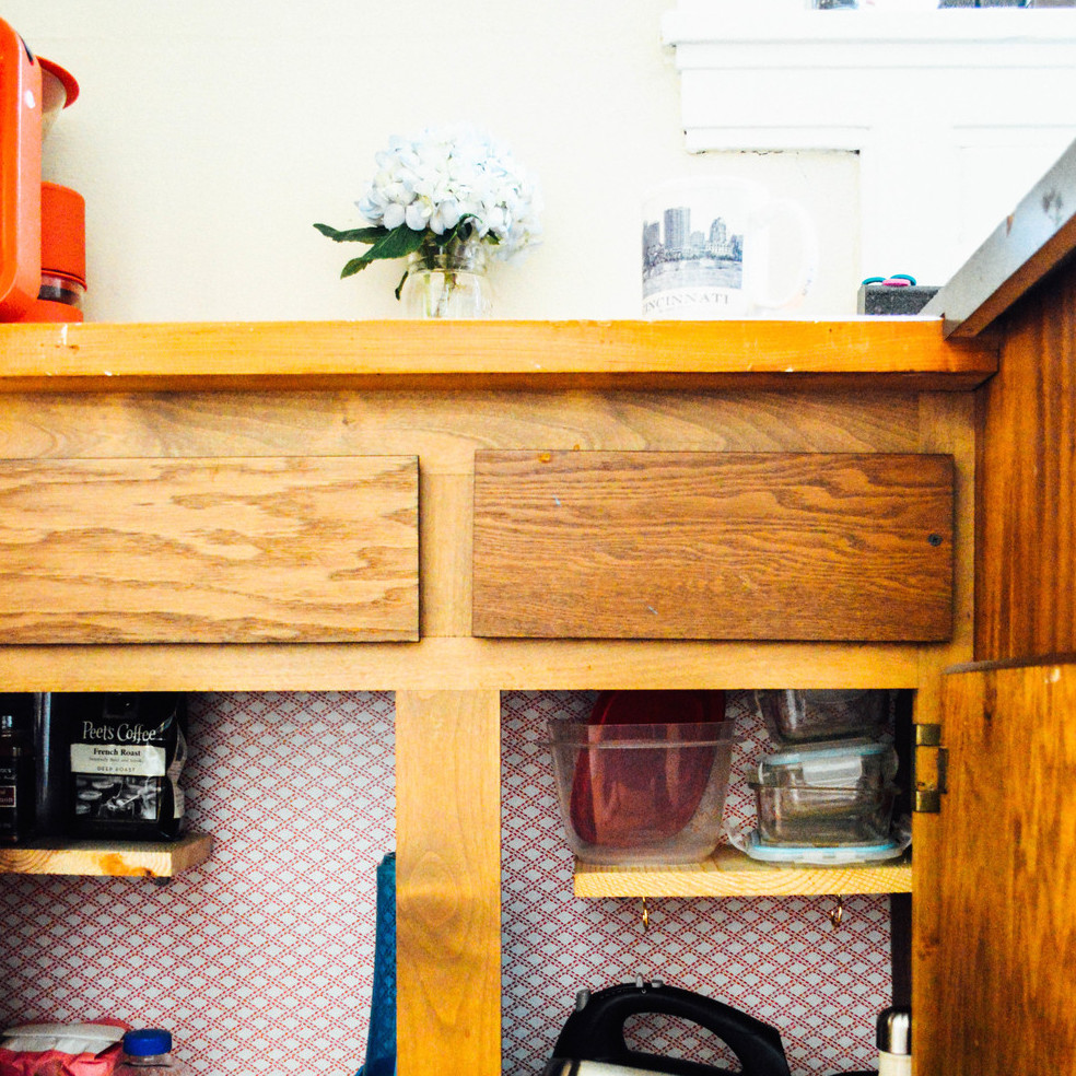 CONTACT PAPER: TEMPORARY FIXES FOR APARTMENT CUPBOARDS