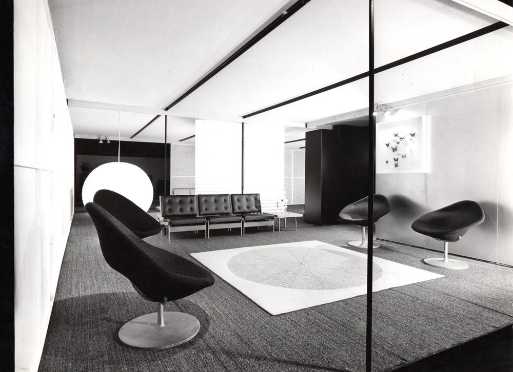1960. Chairs model 199 in the middle. Photo Jan Versnel