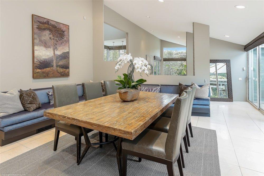 Grawski dining table