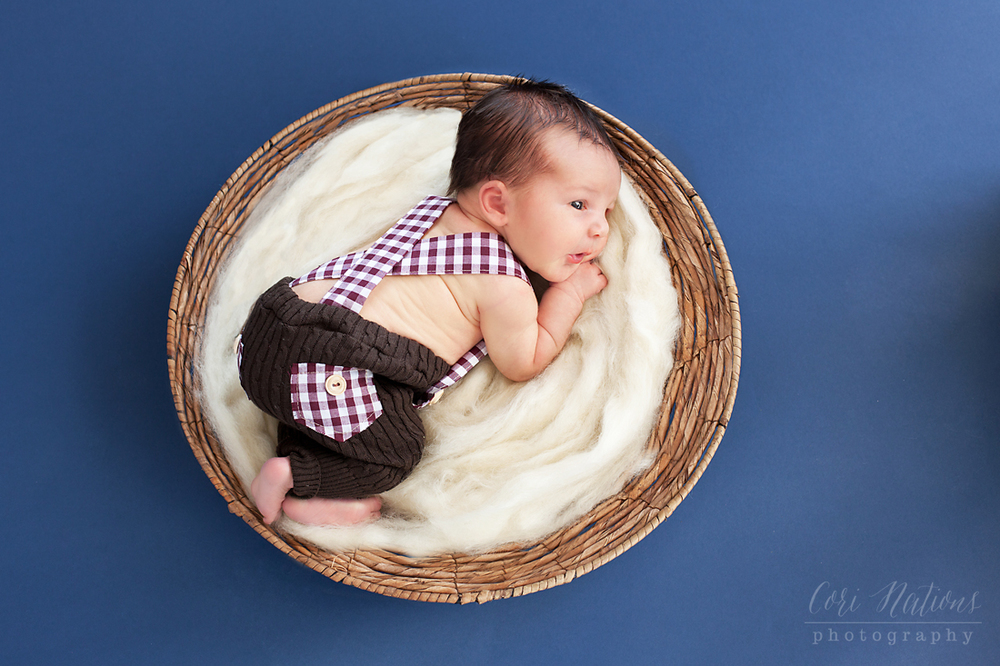 WEB Gabriel Newborn-41edit contrast.jpg