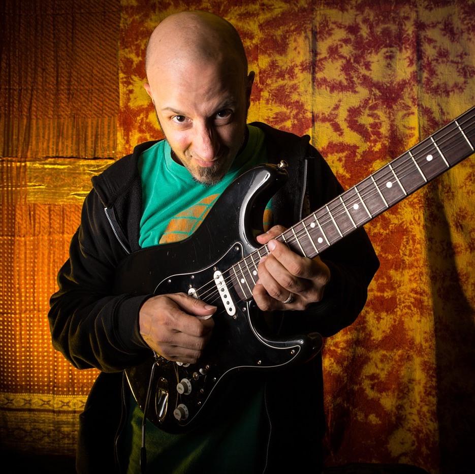 Chris Buono  cB3, TrueFire, Hal Leonard, Solo