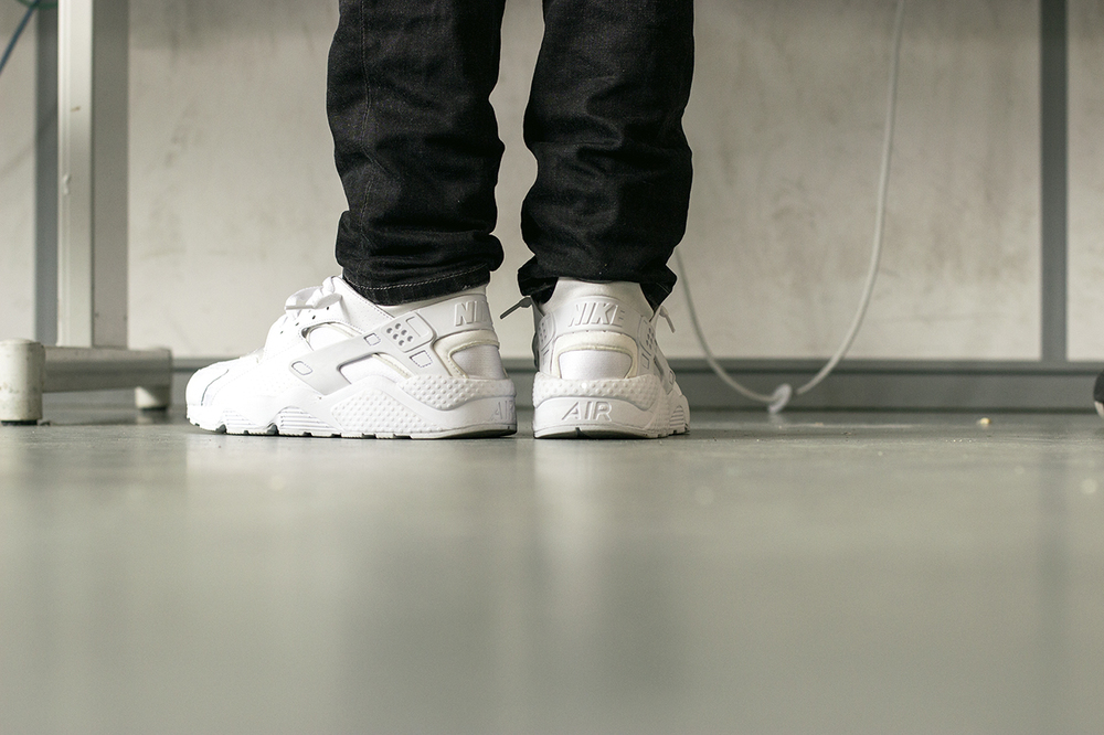nike-air-huarache-platinum-white-1280