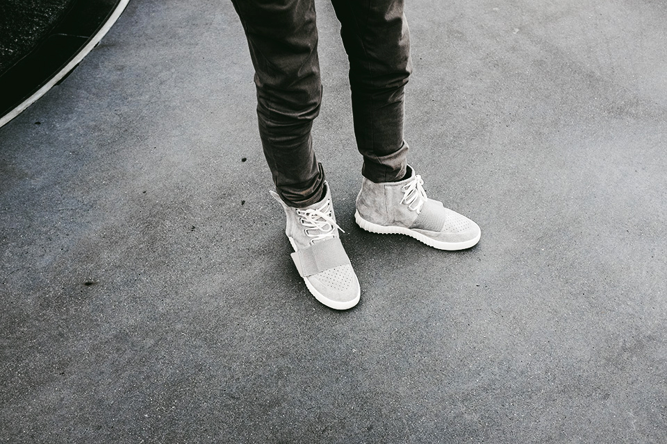 guyvillain-adidas-yeezy-boost-1.3.jpg