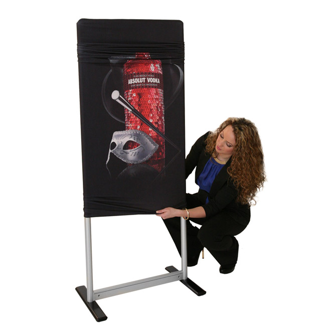 display-banner-stand-exhibit-fabricstand-accenta-02.jpg