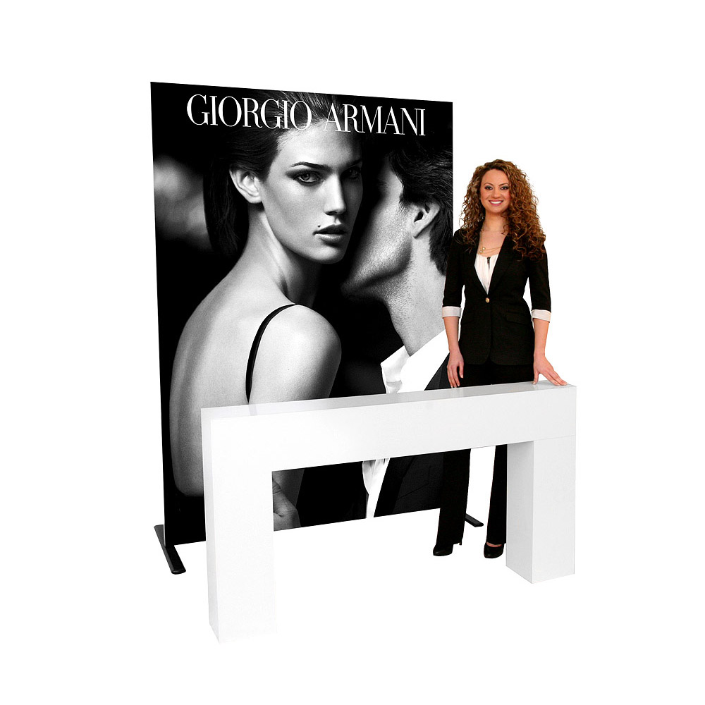 display-backdrop-exhibit-accenta-straightwall-01-armani.jpg