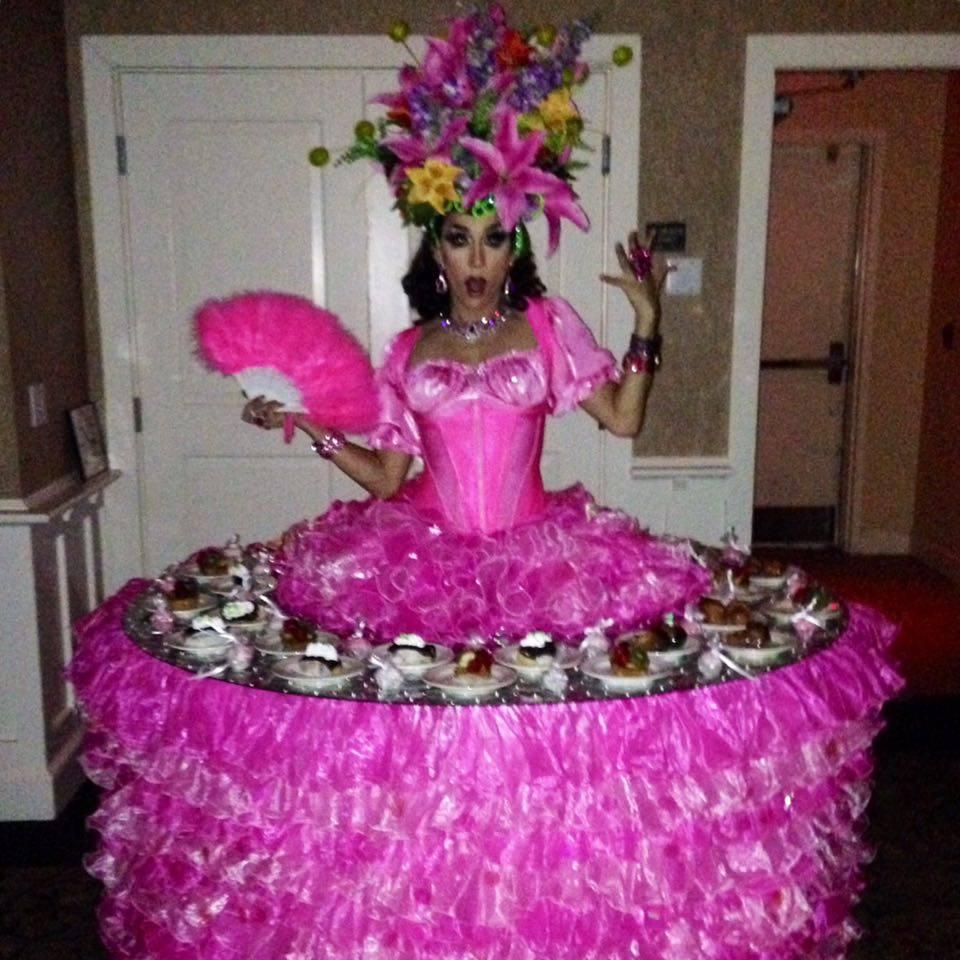Carmen Miranda: Flower Strolling Table