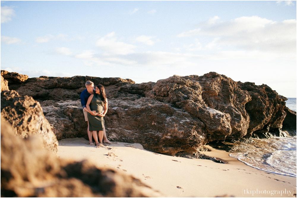 Beach-Maternity-Photo-Ideas.jpg