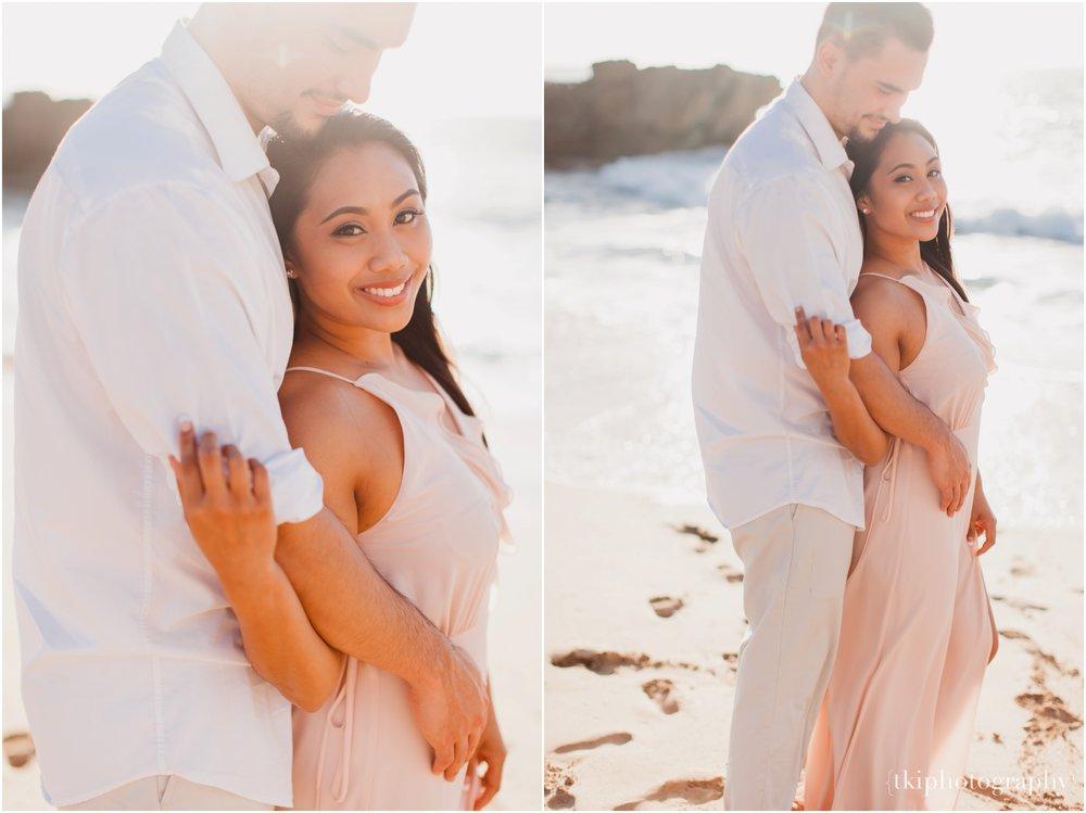 Beach-Engagement-Hawaii-Romantic-_0003.jpg