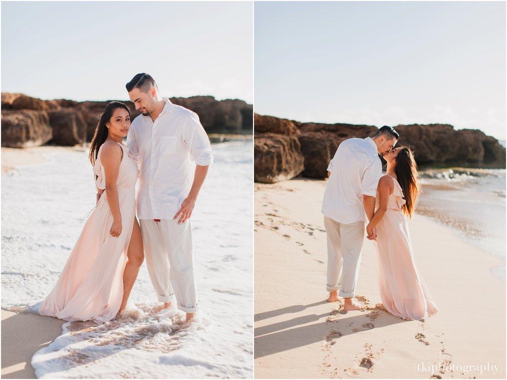 Beach-Engagement-Hawaii-Romantic-_0005.jpg