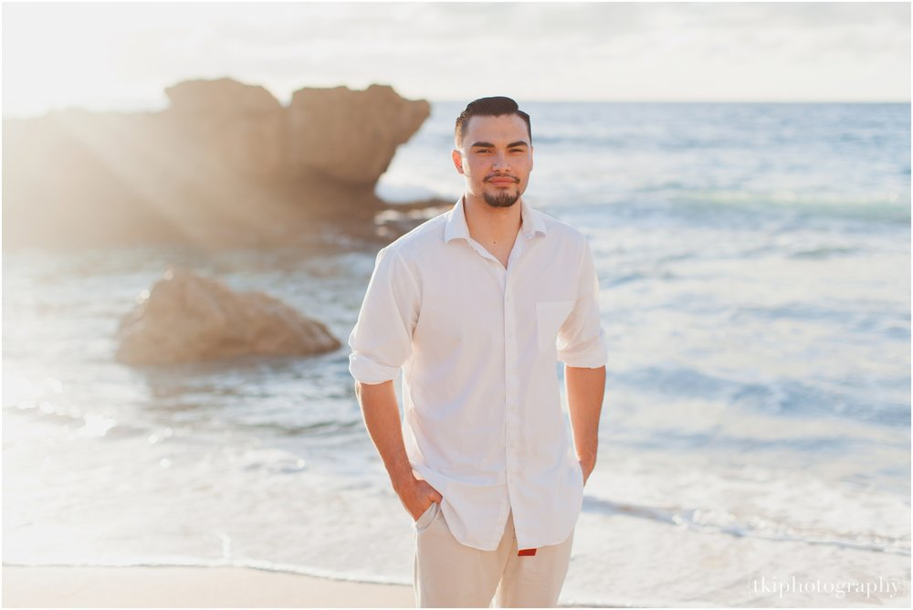 Beach-Engagement-Hawaii-Romantic-_0014.jpg