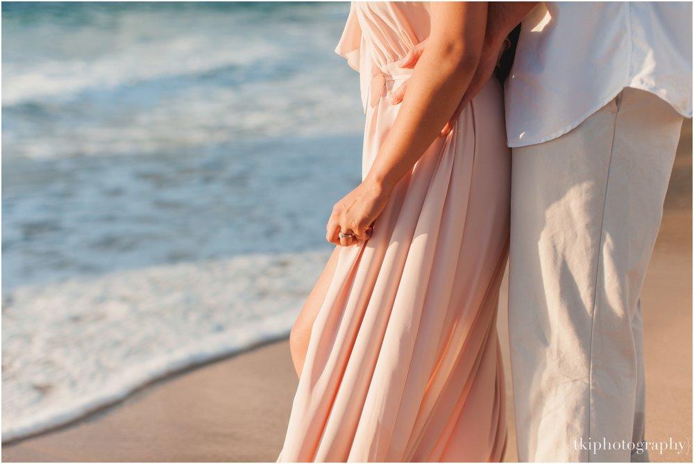 Beach-Engagement-Hawaii-Romantic-_0020.jpg