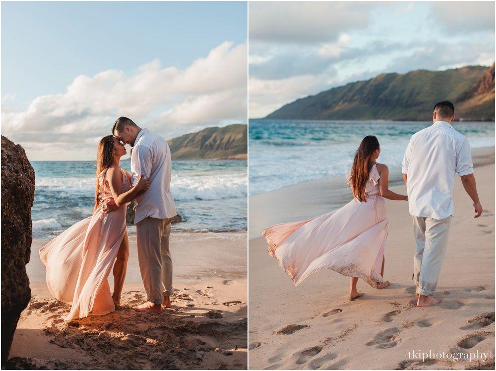 Beach-Engagement-Hawaii-Romantic-_0022.jpg
