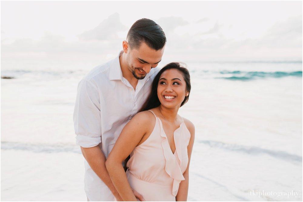 Beach-Engagement-Hawaii-Romantic-_0025.jpg