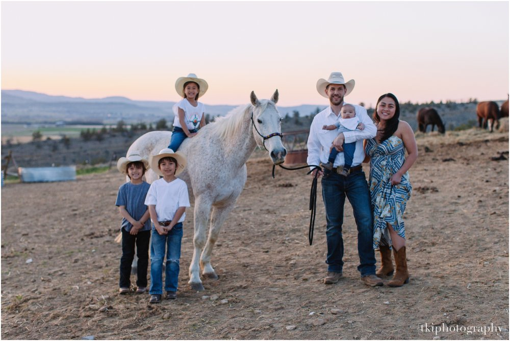Montana-Portraits-Ranch-Sunset_0012.jpg