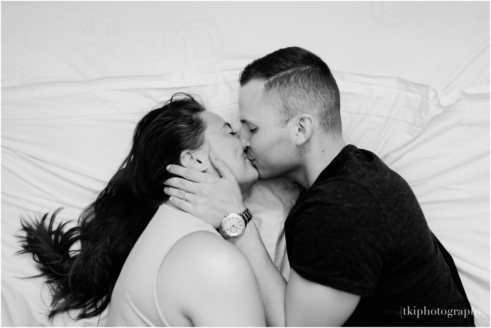 In-Home-Couples-Session_0014.jpg