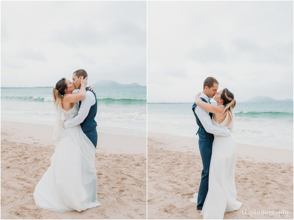 Romantic-Wedding-Oahu-Hawaii-Lanikai_0024.jpg