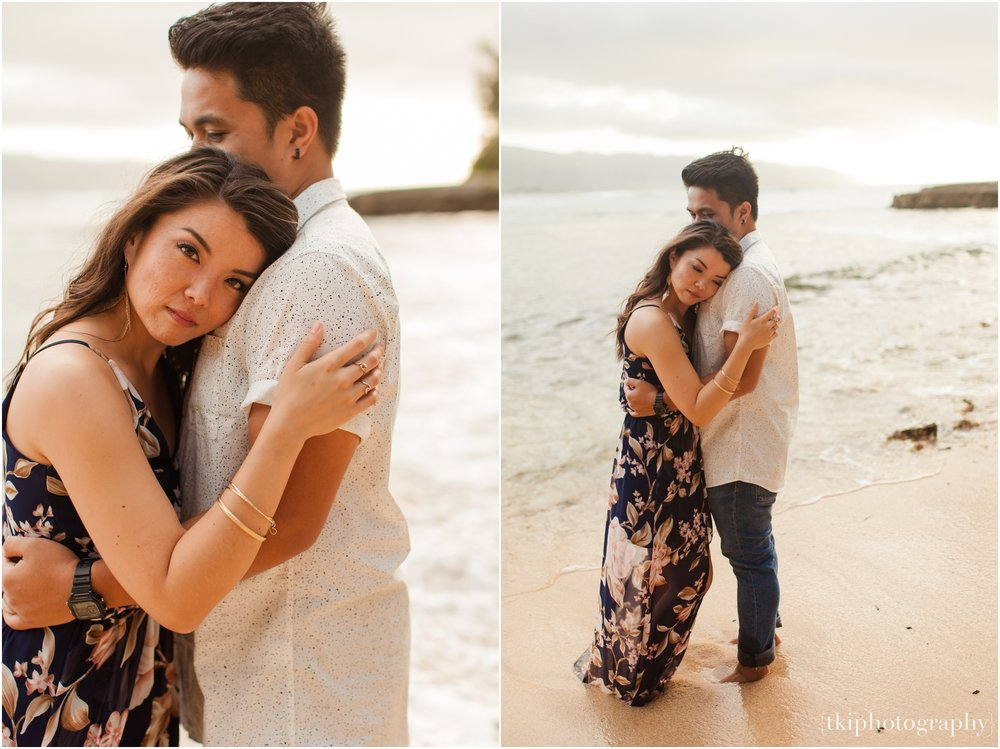 Romantic-Engagement-Session-Hawaii-North-Shore_0020.jpg