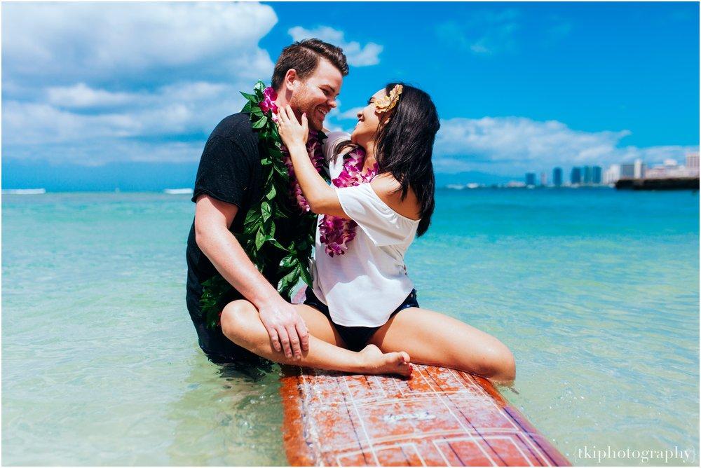 Romantic-Engagement-Oahu-Hawaii_0088.jpg
