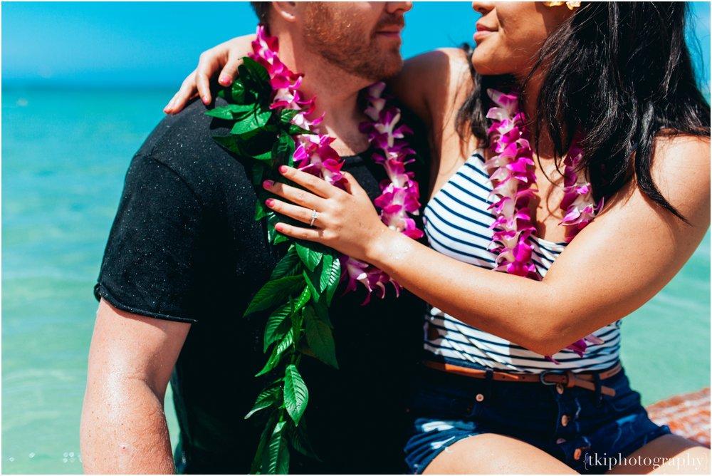 Romantic-Engagement-Oahu-Hawaii_0093.jpg