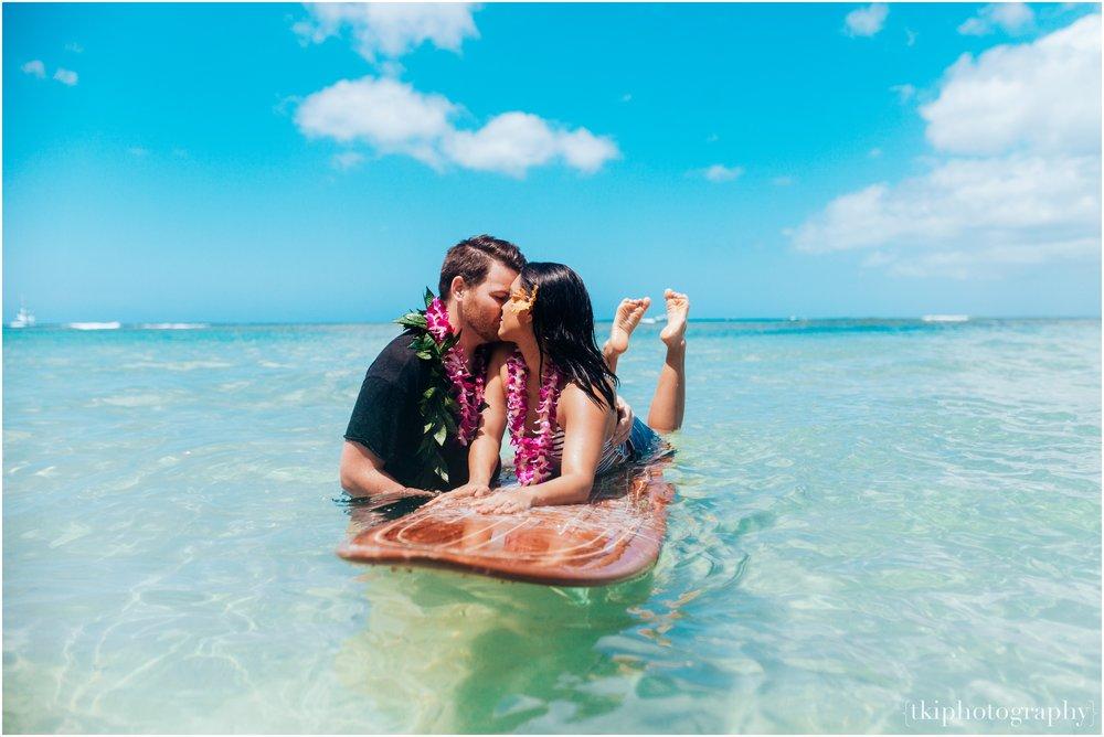 Romantic-Engagement-Oahu-Hawaii_0096.jpg