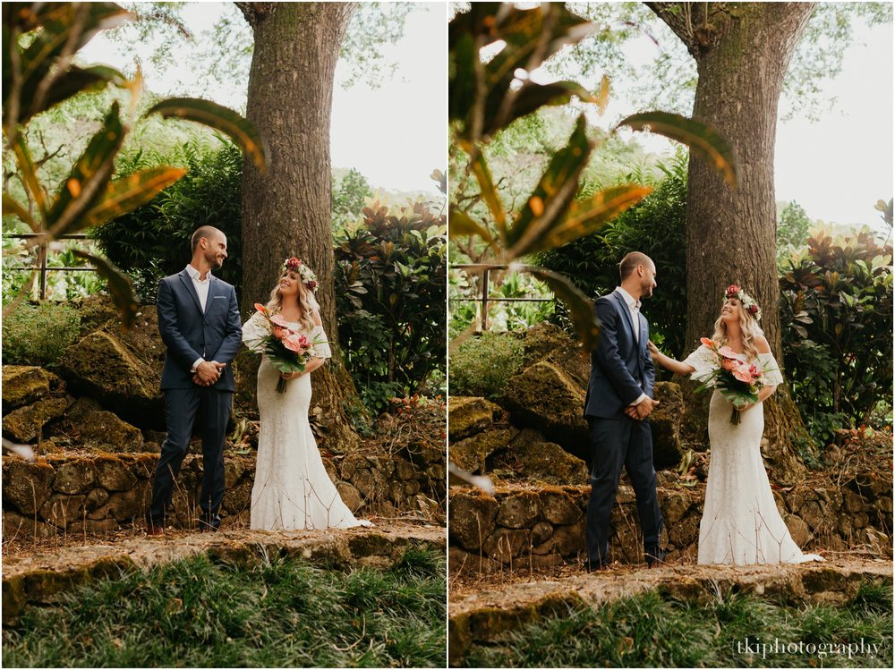 Destination-Wedding-Oahu-Waimea-Valley_0002.jpg