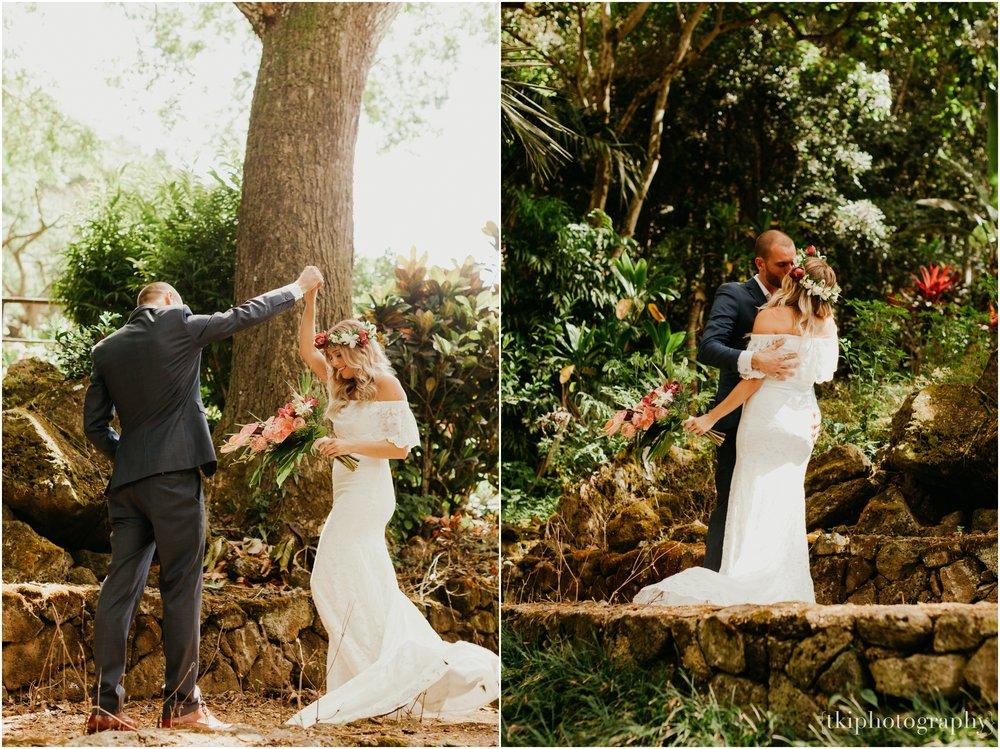 Destination-Wedding-Oahu-Waimea-Valley_0003.jpg