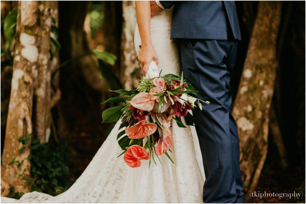 Destination-Wedding-Oahu-Waimea-Valley_0007.jpg