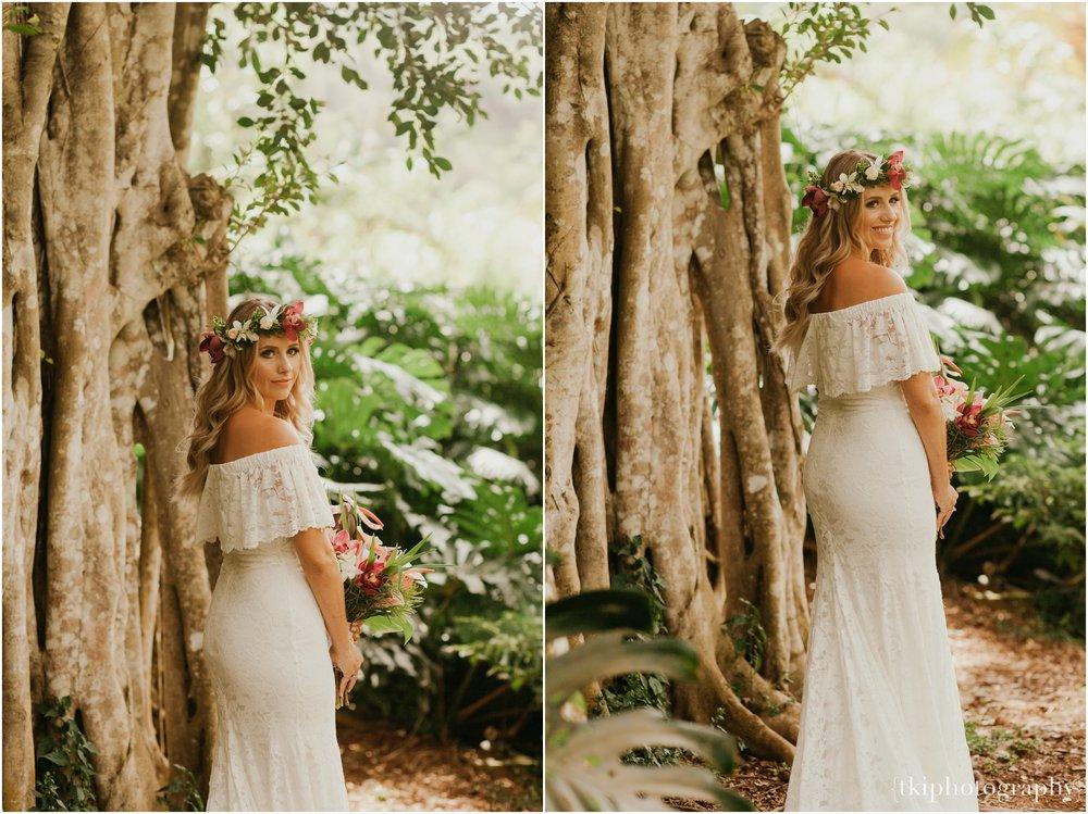 Destination-Wedding-Oahu-Waimea-Valley_0008.jpg