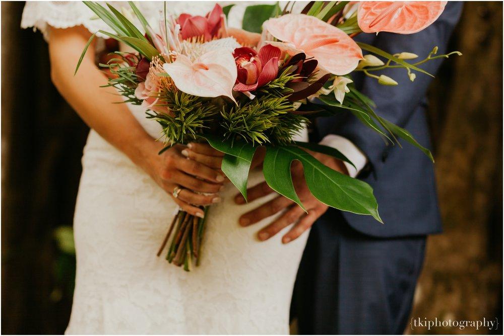 Destination-Wedding-Oahu-Waimea-Valley_0010.jpg