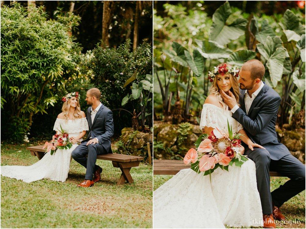 Destination-Wedding-Oahu-Waimea-Valley_0015.jpg
