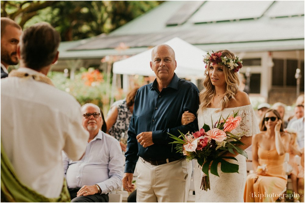 Destination-Wedding-Oahu-Waimea-Valley_0020.jpg