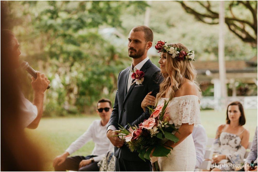 Destination-Wedding-Oahu-Waimea-Valley_0021.jpg