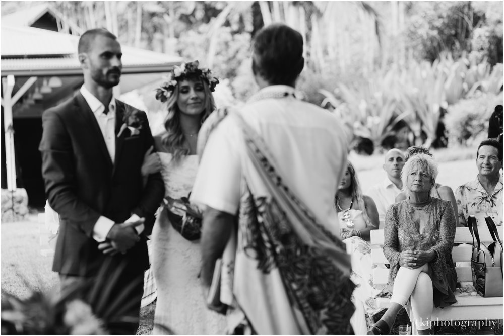 Destination-Wedding-Oahu-Waimea-Valley_0022.jpg