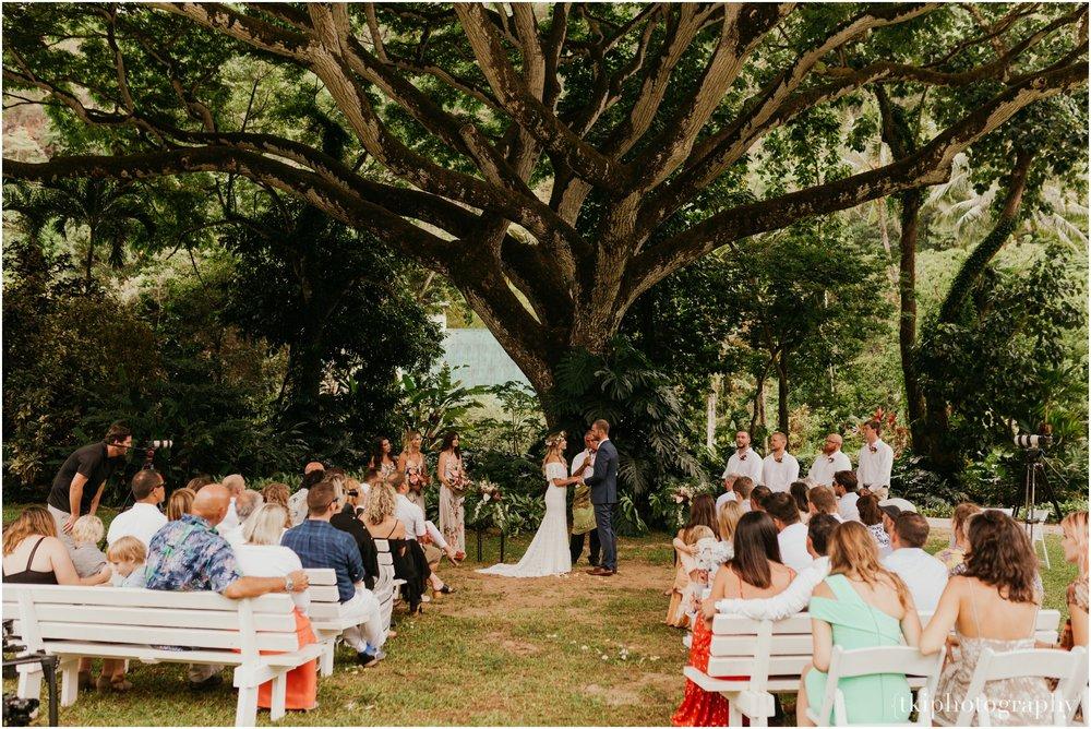 Destination-Wedding-Oahu-Waimea-Valley_0027.jpg