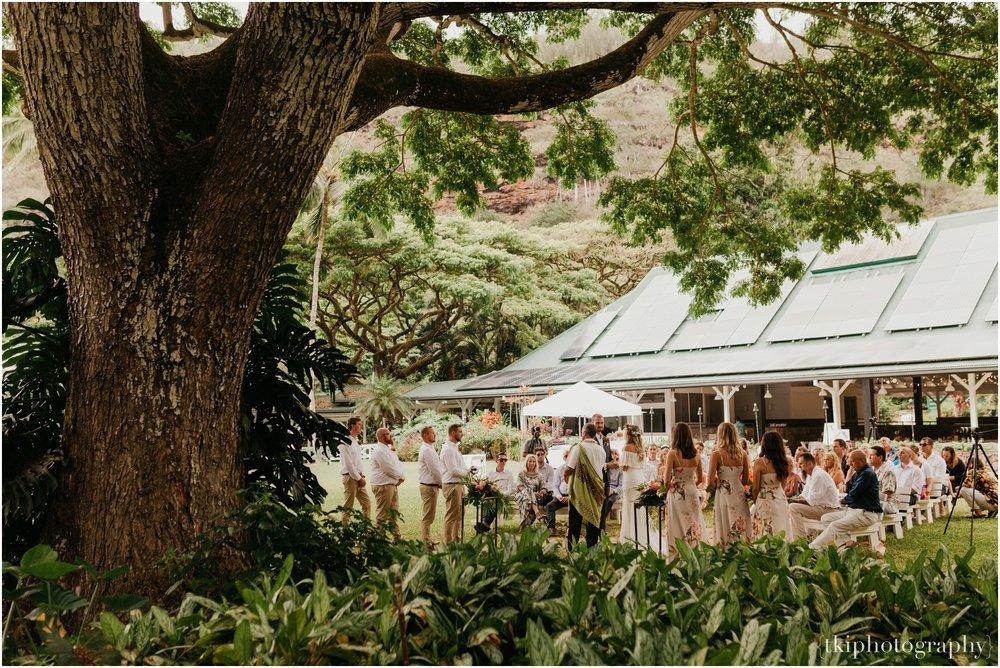 Destination-Wedding-Oahu-Waimea-Valley_0028.jpg