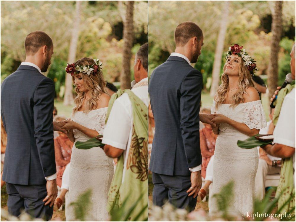 Destination-Wedding-Oahu-Waimea-Valley_0029.jpg