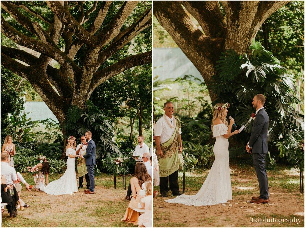 Destination-Wedding-Oahu-Waimea-Valley_0031.jpg