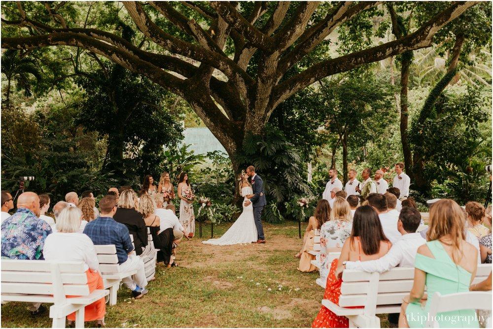Destination-Wedding-Oahu-Waimea-Valley_0032.jpg