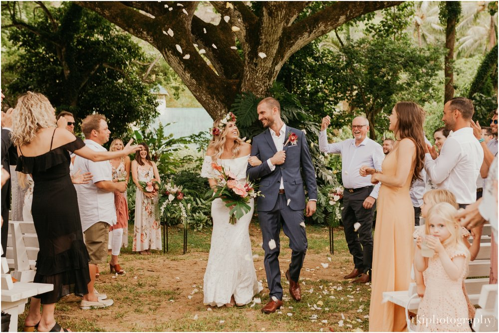 Destination-Wedding-Oahu-Waimea-Valley_0034.jpg