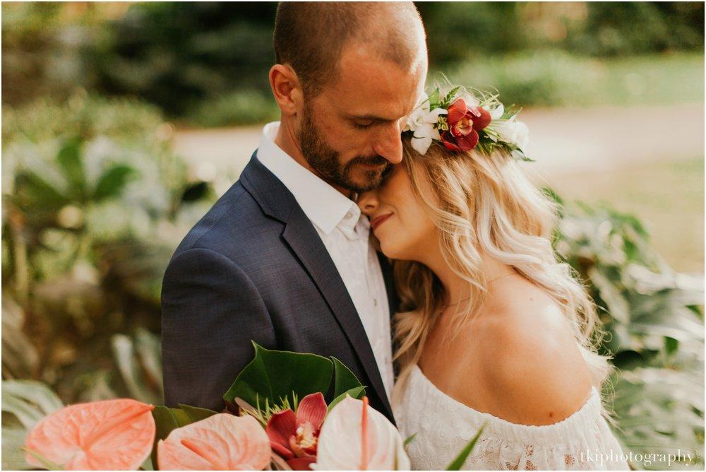 Destination-Wedding-Oahu-Waimea-Valley_0057.jpg