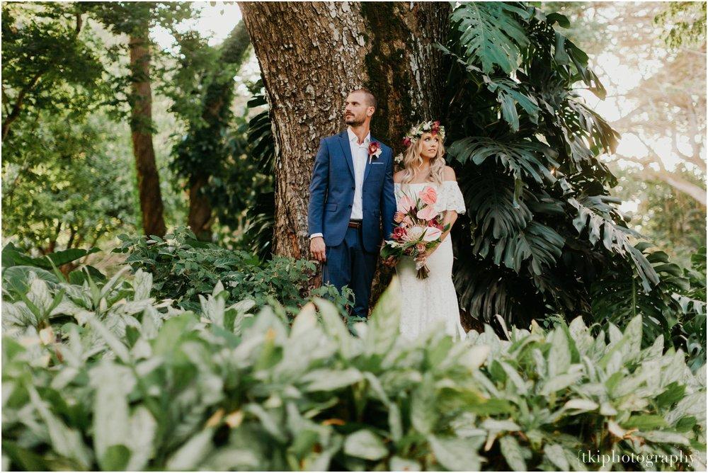 Destination-Wedding-Oahu-Waimea-Valley_0058.jpg